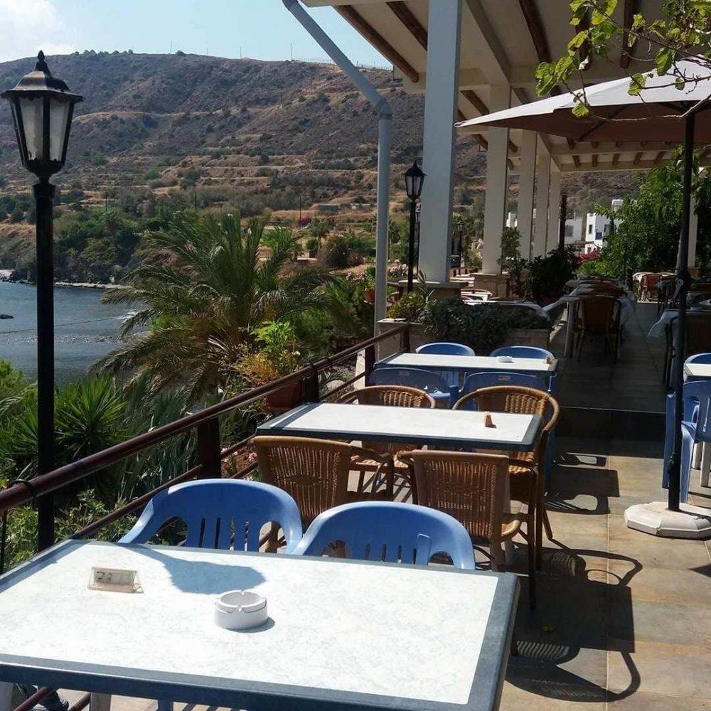 Kanalli Restaurant in Pomos